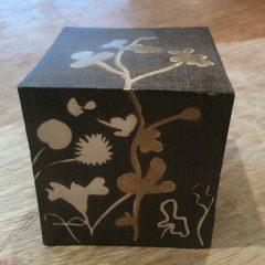 Boîte en faïence marron, Mishima, cire dorée